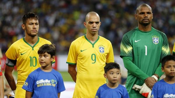 Jefferson på mål for Brasililen i 2014. Foto: AP
