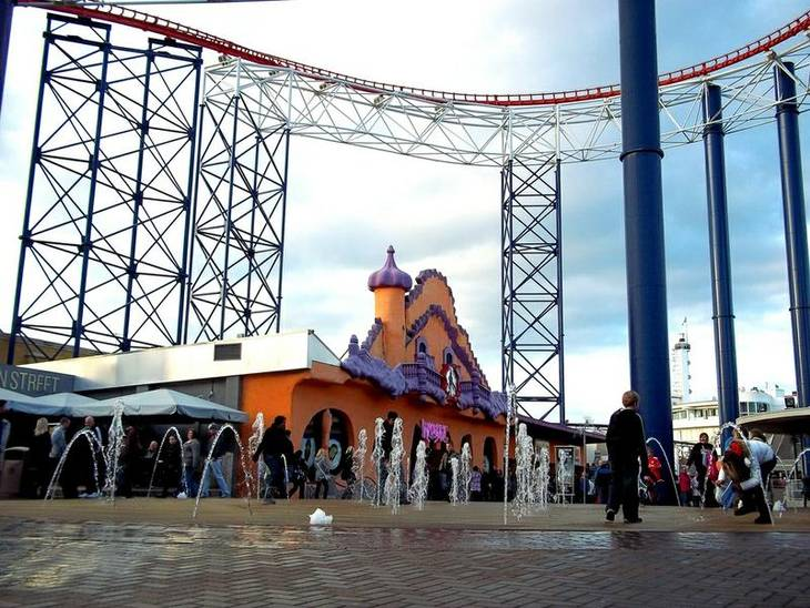 Pleasure Beach er beliggende i Blackpool i England. Foto: Peter Moore/Flickr