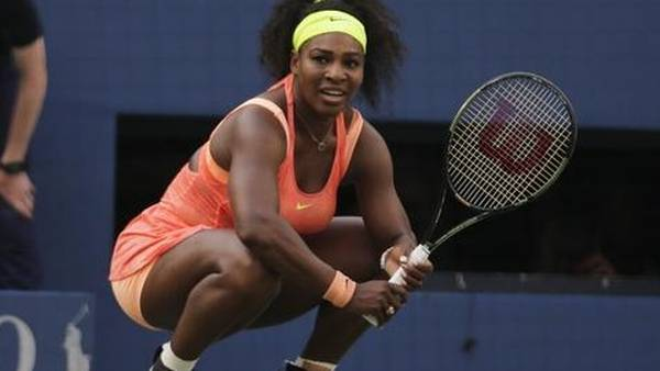 Serena Williams vandt fire Grand Slam-turneringer i træk - men måtte se sig besejret i semifinalen i US Open i september. (Foto: AP)