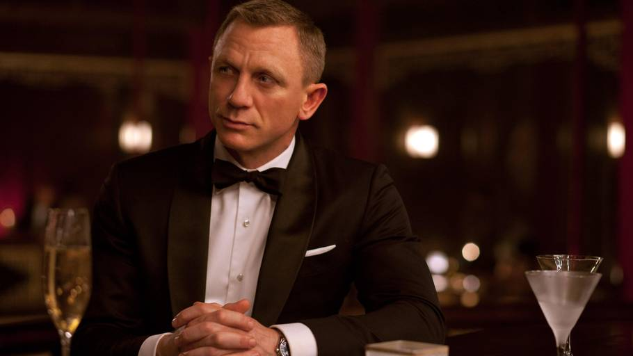 Bond skifter drink i den kommende film 'Spectre'. (Foto: All Over)