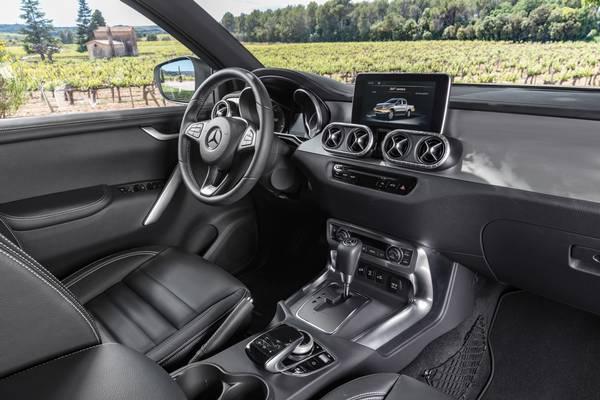 Der venter en luksuriøs oplevelse bag rattet, oplyser bilgiganten Mercedes-Benz. Foto: Mercedes-Benz