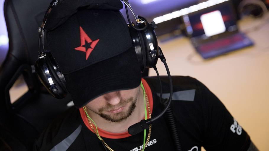 'Dennis' var stand-in for Astralis under BLAST Pro Series i 2017.
