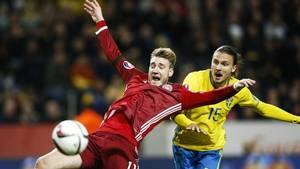 Nicklas Bendtner i aktion for det danske landshold i playoff-kampen mod Sverige til EM-slutrunden 2016. Foto: Gregers Tycho