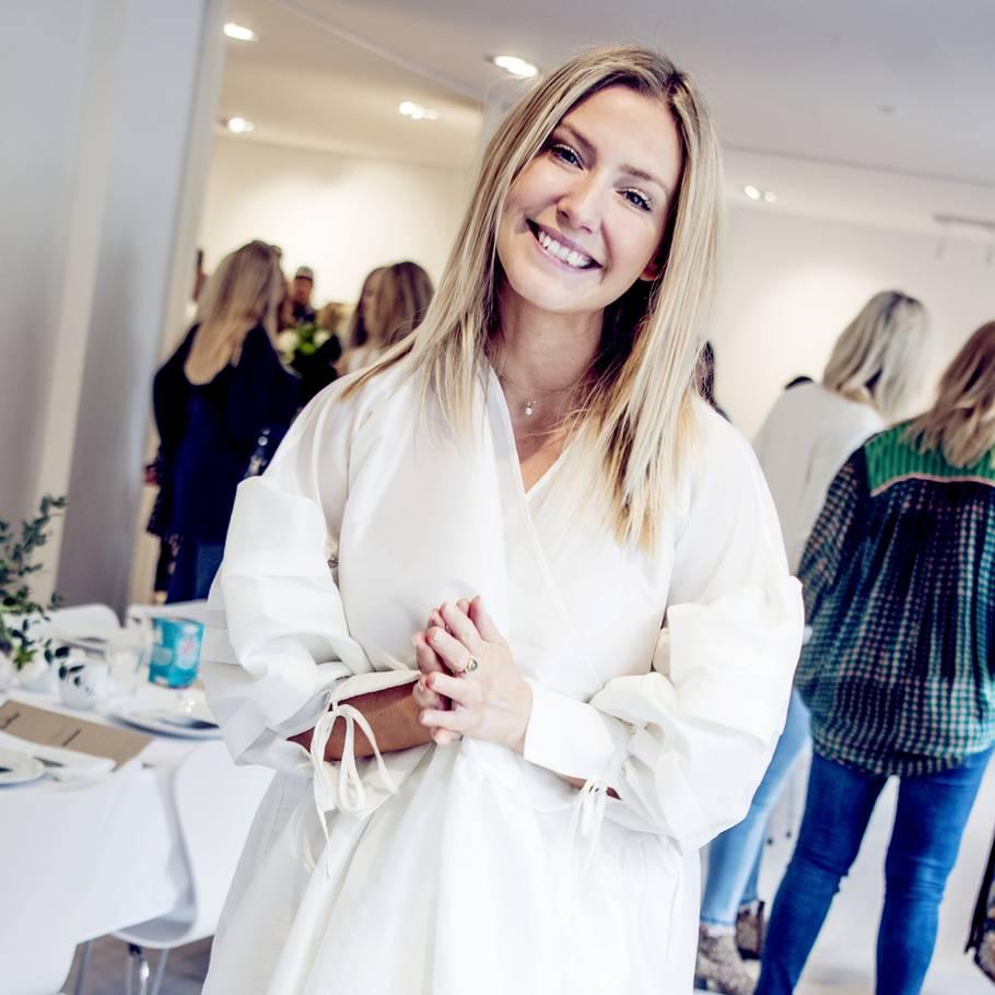 7779641ec80a Tidligere skuespiller og nuværende Youtube-stjerne og forfatter Carla  Mickelborg er blevet kritiseret for at