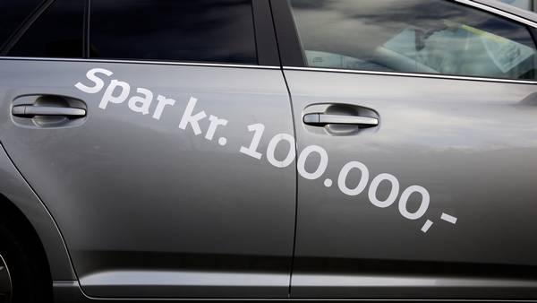 Bilbranchen er bekymret over nye bilafgifter: - Aftalen kan lukke bilforhandlere – Ekstra Bladet