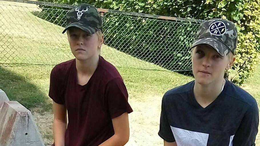 Tvilling søster sex video