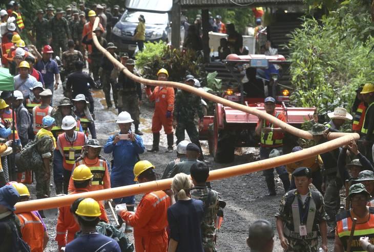 Flere tusinde redningsarbejdere deltog i redningen af de 13 personer i den thailandske grotte. Foto: Sakchai Lalit/AP