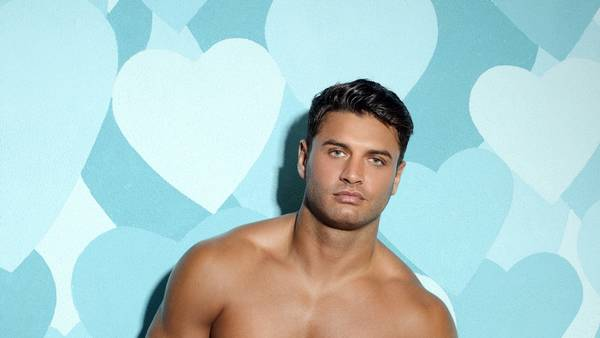 Mike Thalassitis har for en stund vendt tilværelsen som professionel fodboldspiller ryggen for at være stjerne i reality-programmet 'Love Island'. Foto: Rex Feature/All Over Press