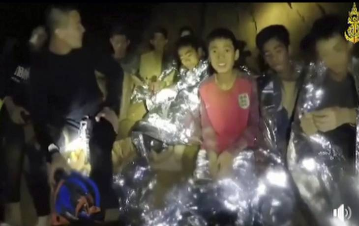 Billedet er taget af thailandske redningsarbejdere, imens drengene fortsat var fanget i grotten. Foto: Thai Navy Seal/AP