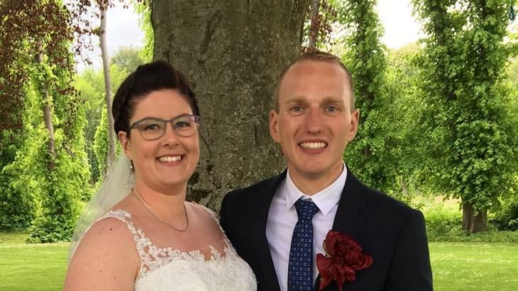Parret blev gift i 2019 ved et flot sommerbryllup. Foto: Privat