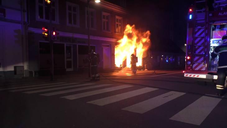 Denne tattoobutik i Holbæk er en blandt flere, der i de seneste to uger har været udsat for brandstiftelse. Foto: Morten Sundegaard
