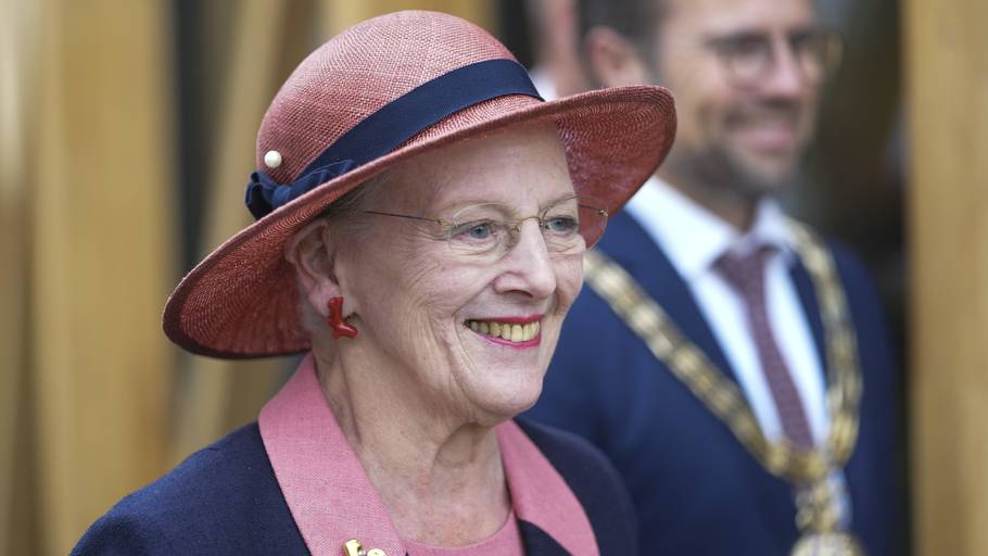 Dronning Margrethe og prinsesse Benedikte så med, da Danmark spillede mod England i lørdags. Foto: Ritzau Scanpix/Claus Fisker