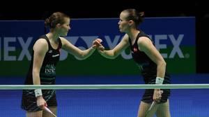 Den danske badmintondouble Christinna Pedersen og Kamilla Rytter Juhl kan vinde EM-guld på hjemmebane søndag. Foto: AP/Rui Vieira.