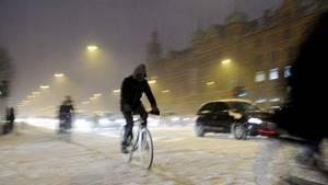 Storbritannien oplever lige nu kraftigt stormvejr og varslet om 30 centimers sne. Det samme lavtryk bevæger sig mod Danmark. Her varsles der om op til 20 centimeters sne. Arkivfoto: Polfoto/Kristian Linnemann