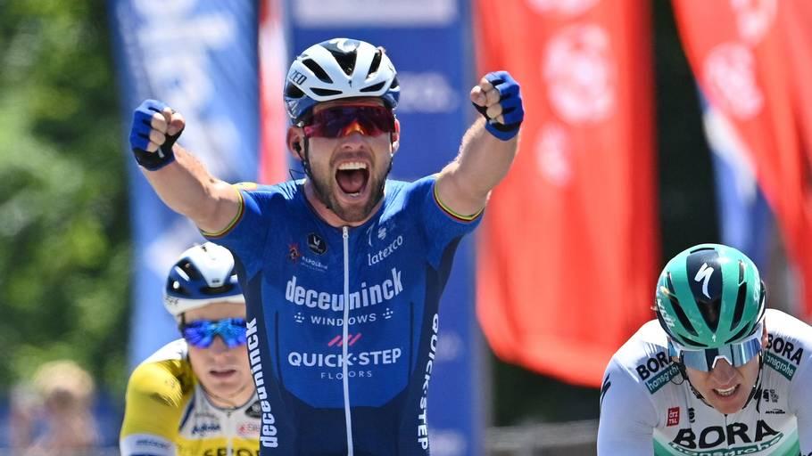 Mark Cavendish har fået en opblomstring på Deceuninck-Quickstep, hvor han er glad for at have Michael Mørkøvs hjul at følge i sprinterne. Foto: David Stockman/AFP/Ritzau Scanpix