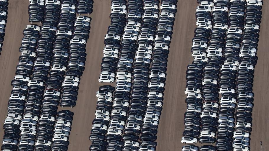 Et billede af dieselbiler, der er købt tilbage af Volkswagen efter dieselskandalen. Arkivfoto: LUCY NICHOLSON/Ritzau Scanpix