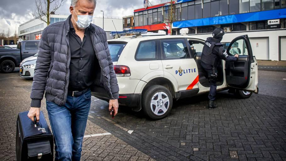 Peter R. de Vries er alvorligt såret, efter han blev skudt tirsdag aften. Arkivfoto: Patrick Van Katwijk/Ritzau Scanpix