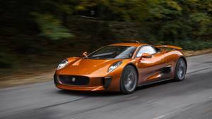 Blev bygget om til rally: Sjælden skurke-bil fra James Bond til salg