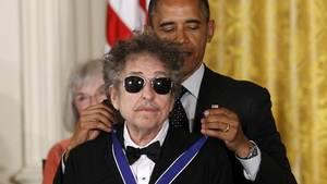 Bob Dylan har modtaget utallige priser gennem årene - blandt andre Medal of Freedom i 2012. Foto: AP
