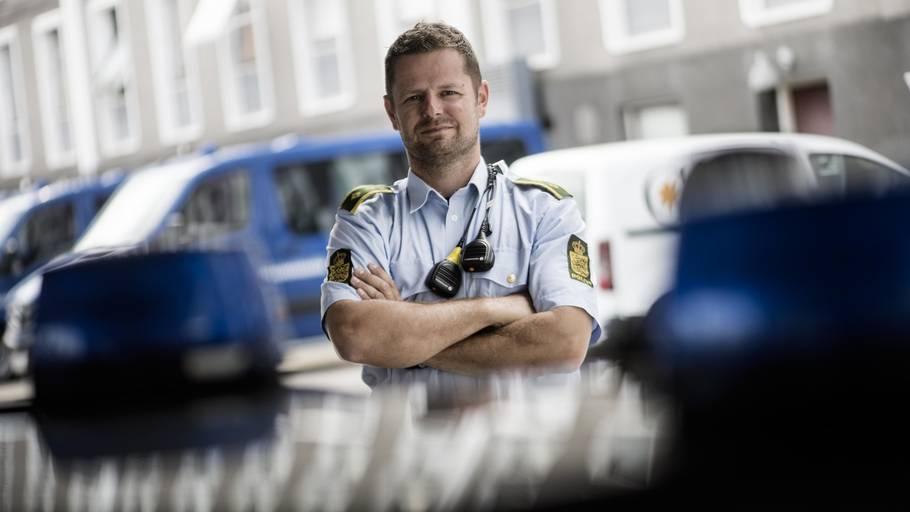 hvad kræver det at blive politimand