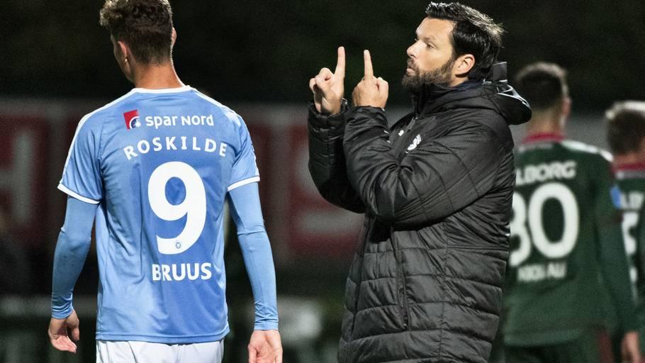 73e6cf44668 Den nu forhenværende cheftræner Christian Lønstrup smed en bombe i FC  Roskildes omklædningsrum. Klubben har