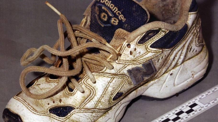 98478ac1bda Masser af teorier om hvorfor i alt 13 rådne fødder i kondisko er blevet  fundet i
