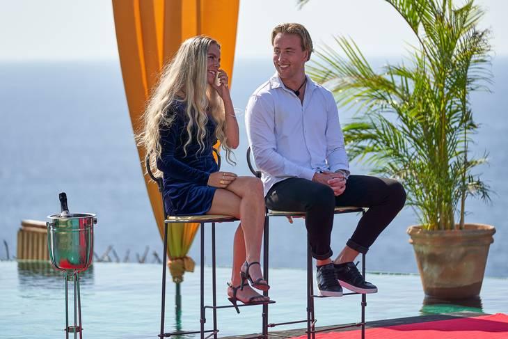 Anne Sofie og Nikolaj kunne i sidste ende kalde sig vindere af 'Paradise Hotel', men det var kun Anne K, der endte med at tage pengepræmien, som hun delte med Léa. Foto: Nent Group Entertainment