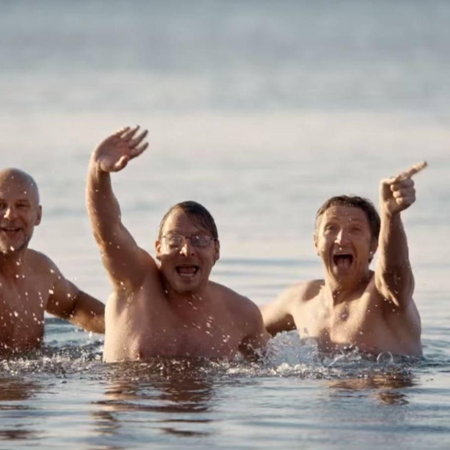 kvinder nøgen ved havet tre piger der har sex sammen