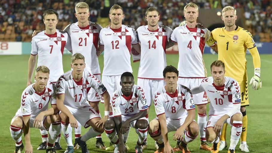 9192f5af14d Danmark er et hold med høje spillere, der spiller simpelt. Foto: Lars  Poulsen