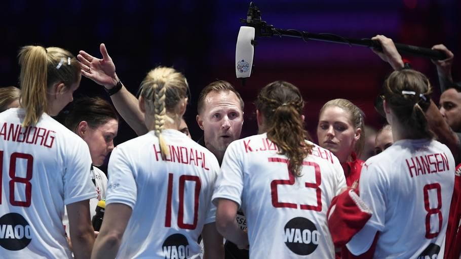 bd00c5e6087 De danske landsholds-kvinder får hård modstand i gruppespillet. Foto: Lars  Poulsen.