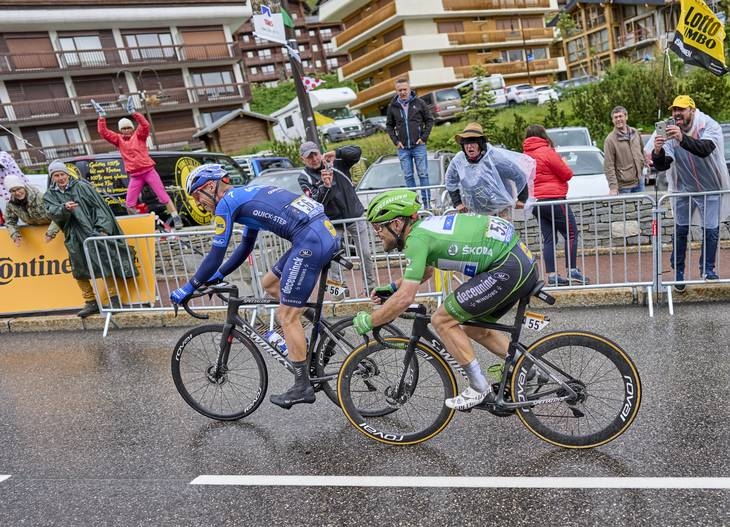Mark Cavendish var helt færdig, da han kom over målstregen i Tignes. Foto: Benoit Tessier/Reuters/Ritzau Scanpix