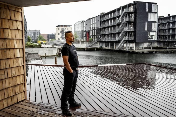 Kim nyder stilheden. Foto: Henning Hjorth