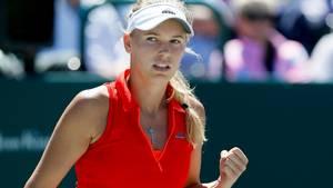 Knyt sylten, Caroline, lyder det fra Sharapova-lejren. Foto: AP