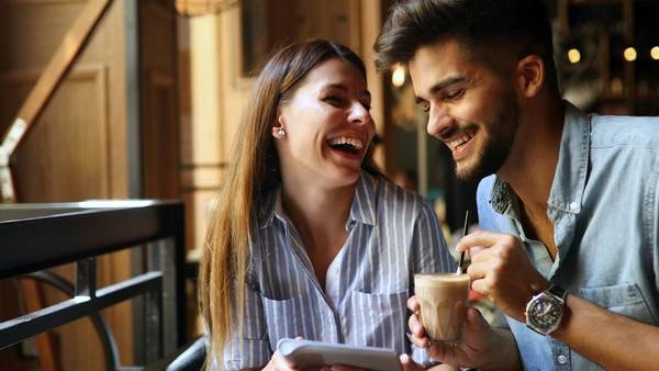 dating nogen, men stadig forelsket i min ex sjovt online dating en liners