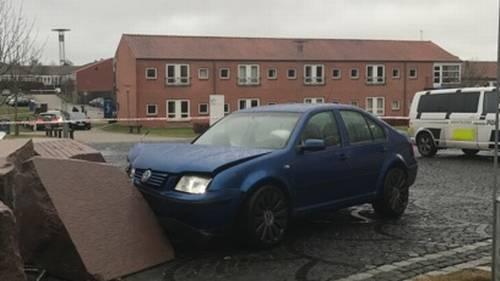 En 22-årig mand førte ifølge politiet denne bil, der ramte en 14-årig dreng. LÆSERFOTO