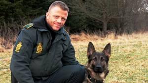 Jesper Jul med sin hund Basse. Foto: Privat