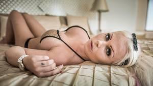Amalie Kronil var 20 år, da hun deltog i 'Paradise Hotel' med sin 65K-skål. Foto: ANTHON UNGER