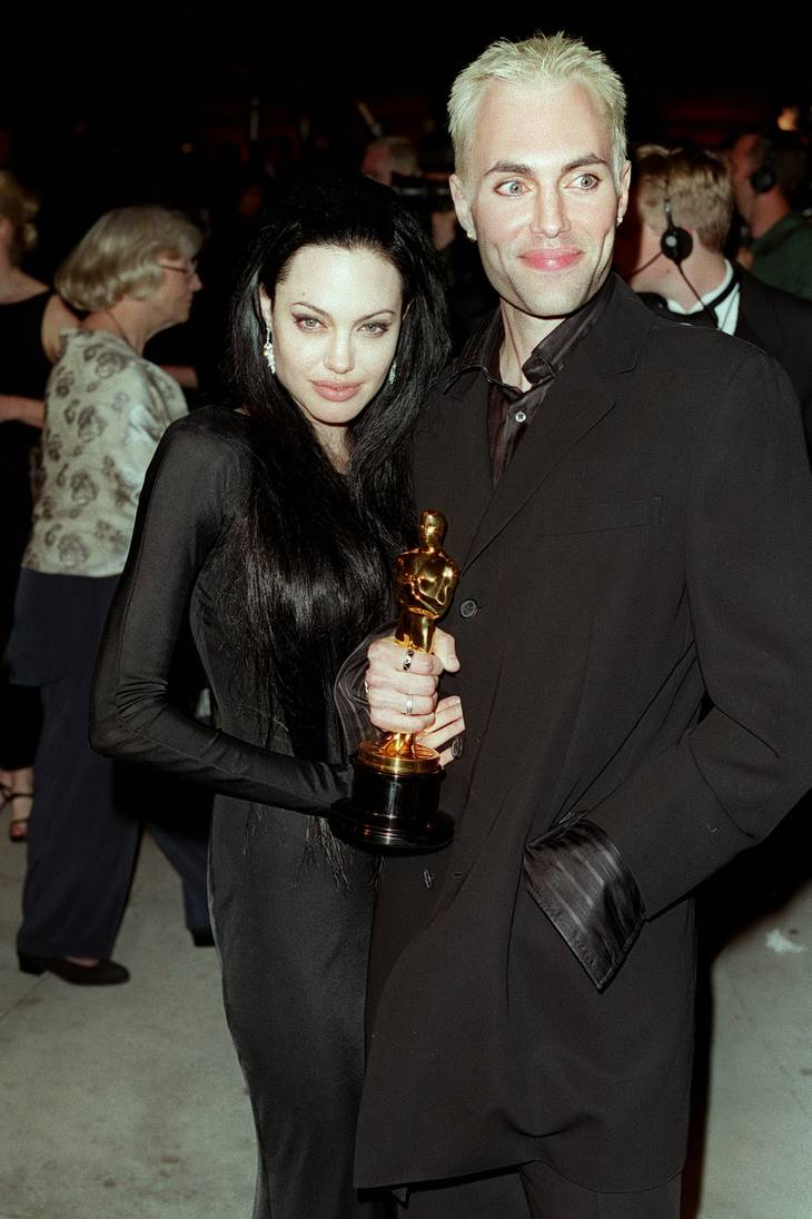 Angelina Jolie og hendes bror til afterparty for Oscar-showet i 2000. Foto: Allstar/Graham Whitby Boot.