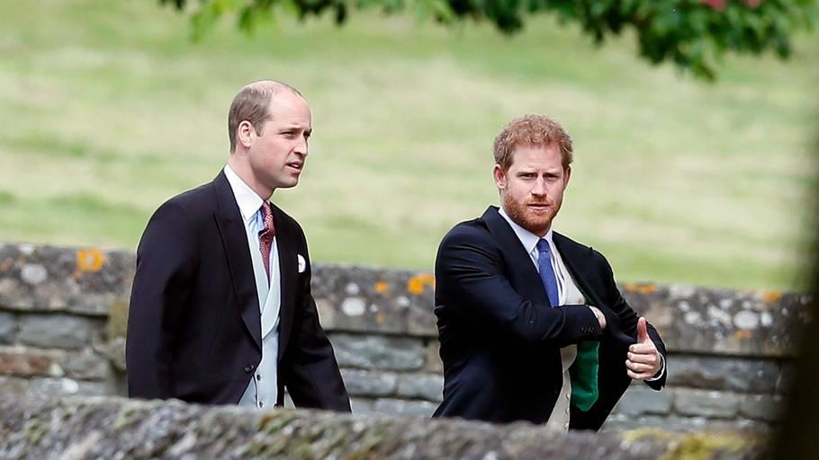 47ddcb88 Prins William og broren prins Harry ankom sammen til Pippa Middleton og  James Matthews Bryllup i
