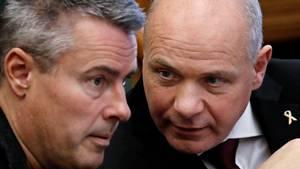 Der skjuler sig en vej til endnu mere pension for erfarne politikere i Henrik Sass Larsen og Søren Gades forslag til frivillig pensionsordning. Foto: POLFOTO