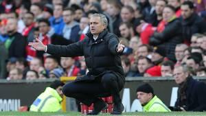 José Mourinho har fyret bolddrengene i Manchester United for at få mere tempo i spillet, når hans klub har brug for det. Arkivfoto: All Over Press
