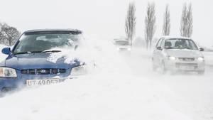 - Det bliver desværre en kort fornøjelse for folk, der kan lide sne. For allerede i morgen fredag bliver der tøvejr med 2-5 graders varme - og så smelter det som bekendt hurtigt. Og der er ikke kulde på vej. Så samlet set bliver det en lidt træls omgang: Det kan komme til at skabe en masse bøvl og samtidig ender det ud med sjap og sjask, siger vagtchefen. Arkivfoto: Per Rasmussen, Polfoto