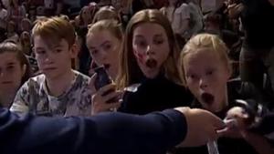 Chokeret dansk pige får stjernens guldmedalje: Her er forklaringen