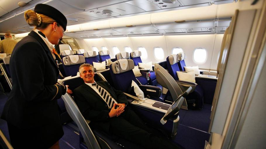 Business Class på Lufthansas Airbus A380. Foto: AP