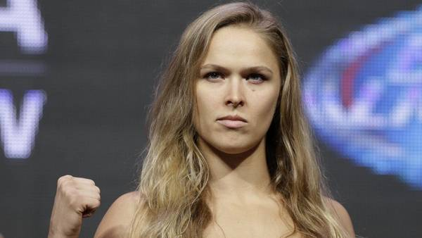 Ronda Rousey har det, der skal til for Amber Rose. (AP Photo)