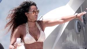 Mel B ser også godt ud i bikini. Foto: All Over