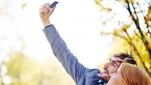 Parrene, som har mest travlt med at fylde din Facebook med perfekte billeder, har formentlig de mest ulykkelige forhold, siger ekspert. Foto: Colourbox