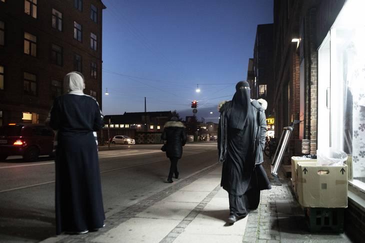 gang i gaden hvor dyb er en kvinde