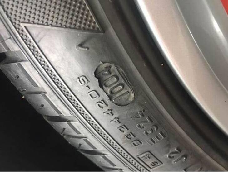 kan dæk blive for gamle