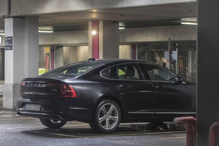 Den sorte Volvo var på svenske plader. Foto: Kenneth Meyer
